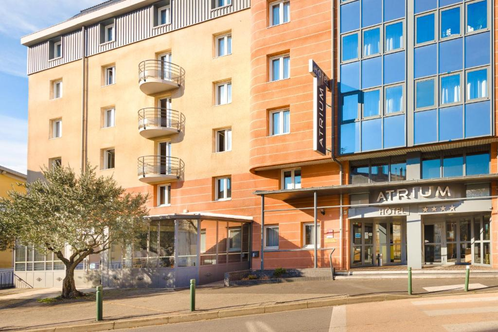Atrium h tel valence ville valence book your hotel for Appart hotel hevea