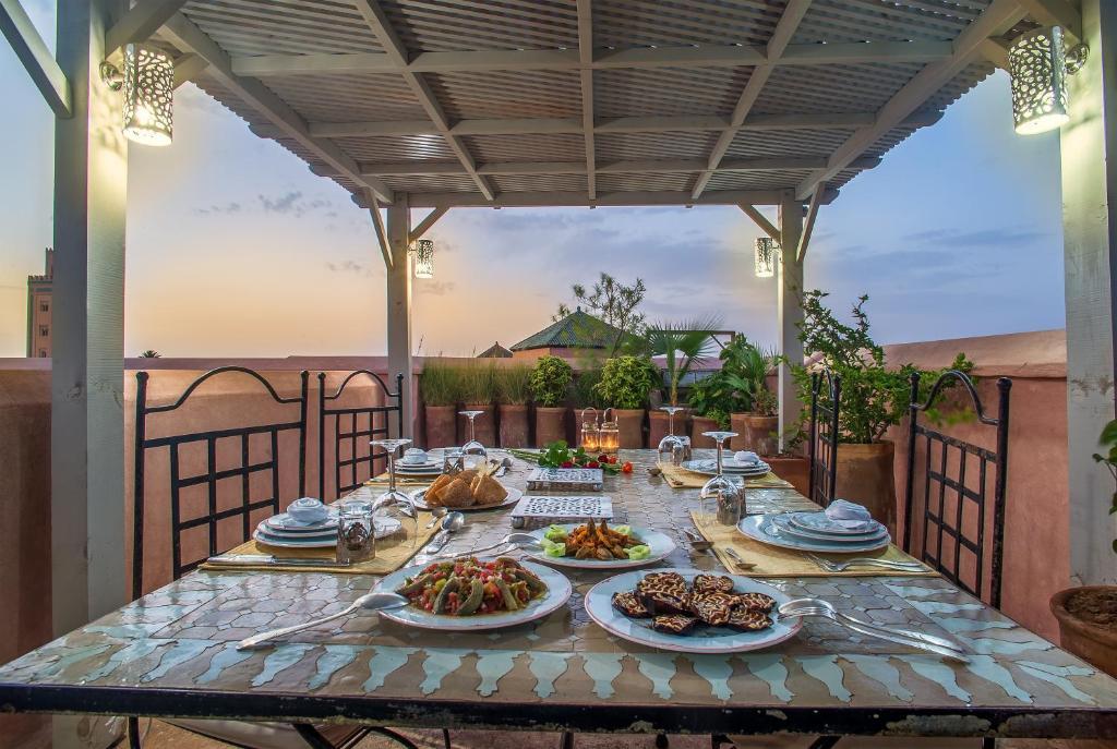 Chambres d 39 h tes dar lalla f 39 dila chambres d 39 h tes marrakech for Chambre d hotes marrakech