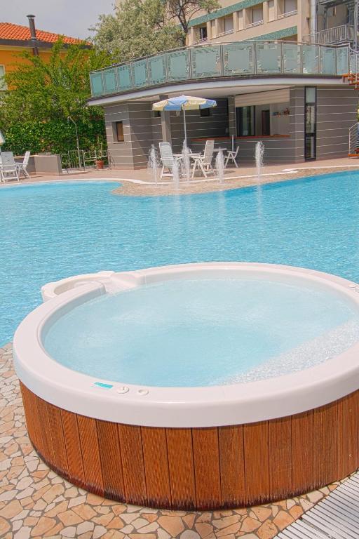 Hotel luxor cervia prenotazione on line viamichelin - Bagno adriatico milano marittima ...