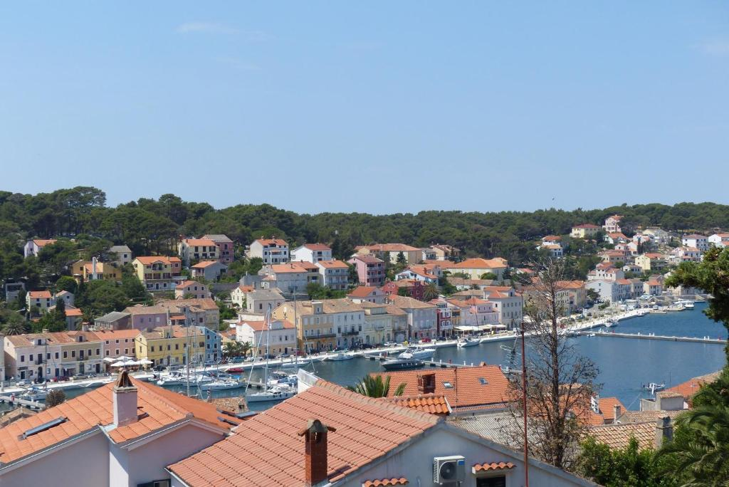 Apartment Mali Losinj 8006b Hotel - room photo 8943861