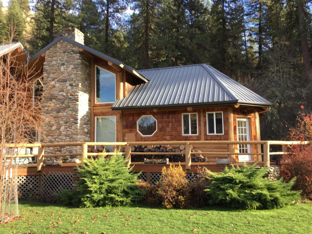 Clearwater River Lodge