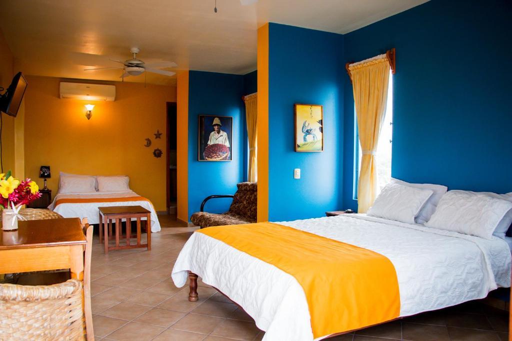 Hotel maya vista tela informationen und buchungen for Hotel maya tela