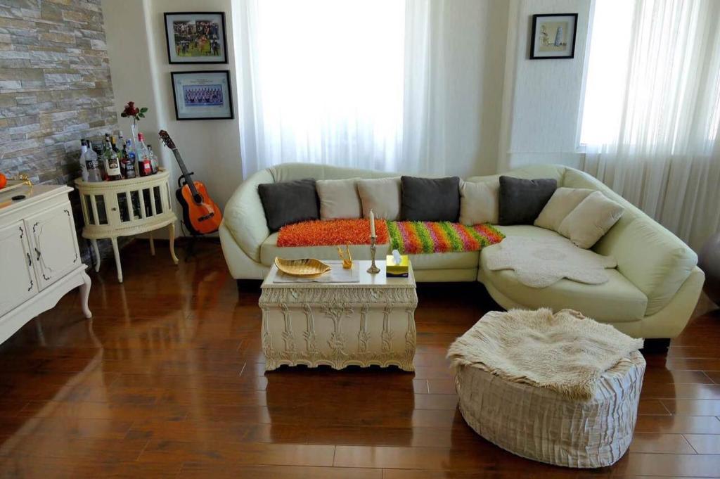 Tbilisi apartments bukia square r servation gratuite sur for Canape tbilisi