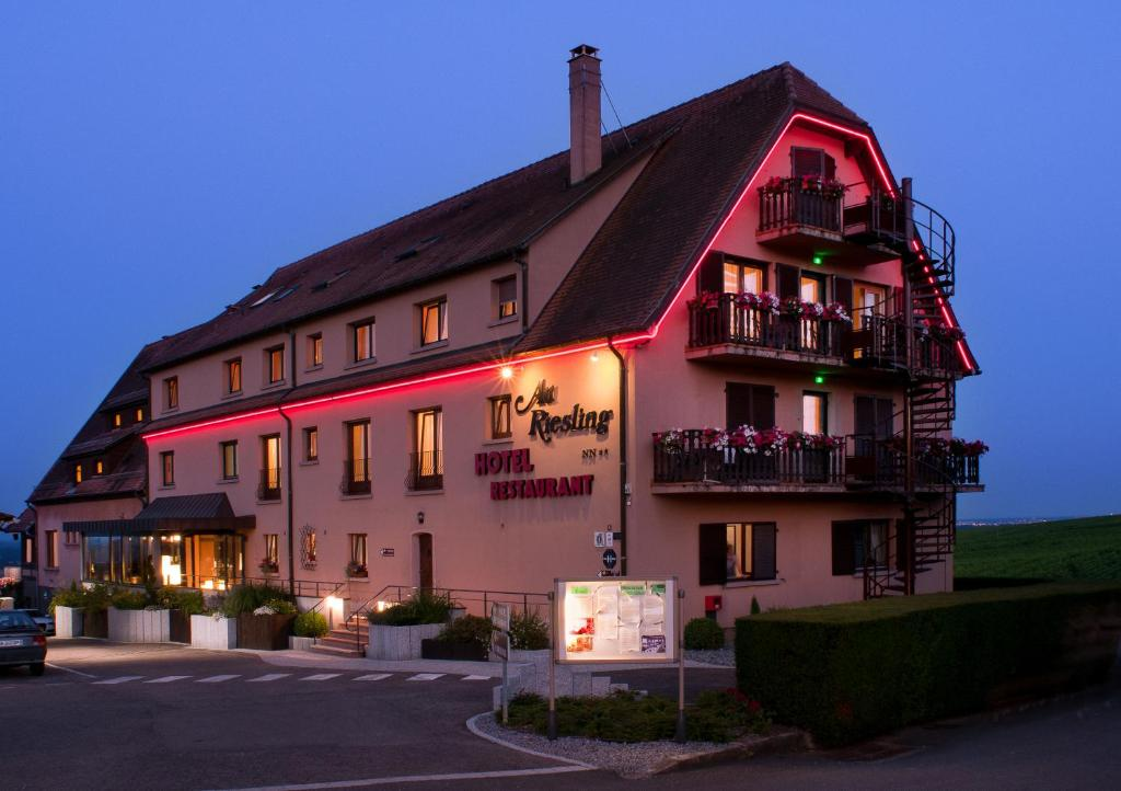 Comparateur hotel restaurant au riesling zellenberg for Hotel comparateur