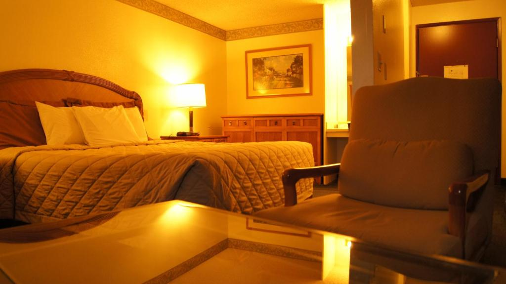Seatac Washington Hotels & Motels. Find hotels & motels in Seatac using the list below. Explore our guide for inexpensive and discount hotel/motel rates in or .