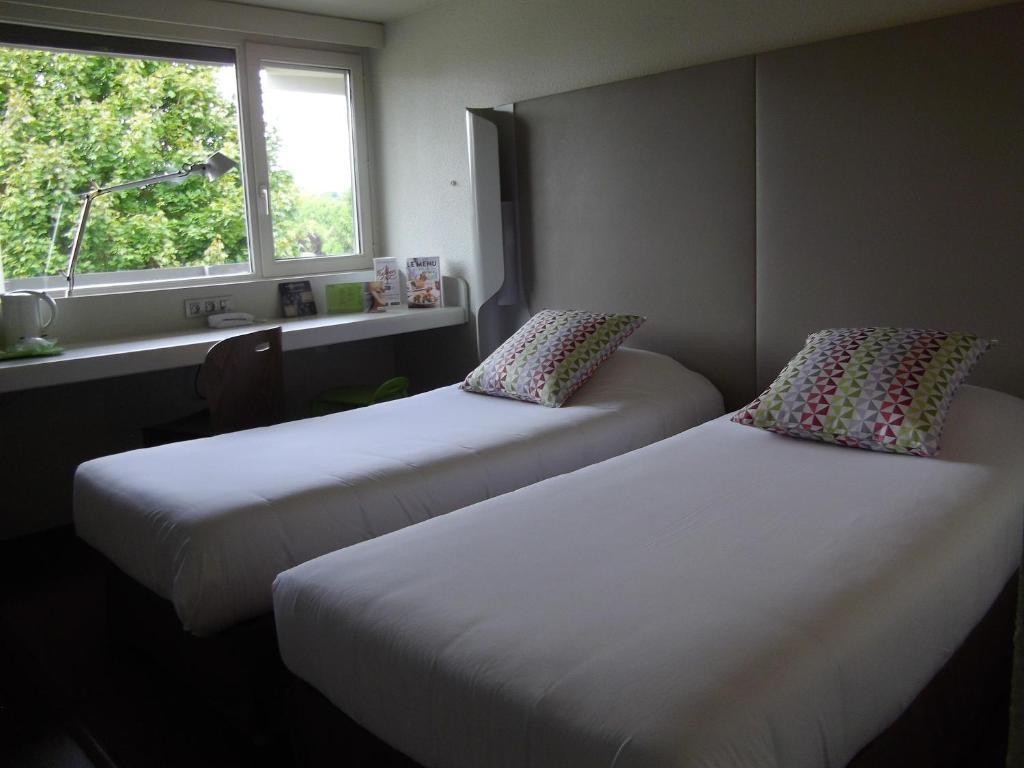 Hotel De Ville Villennes Sur Seine