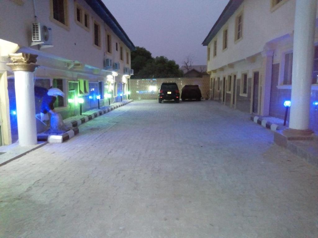Wumzy Hotels