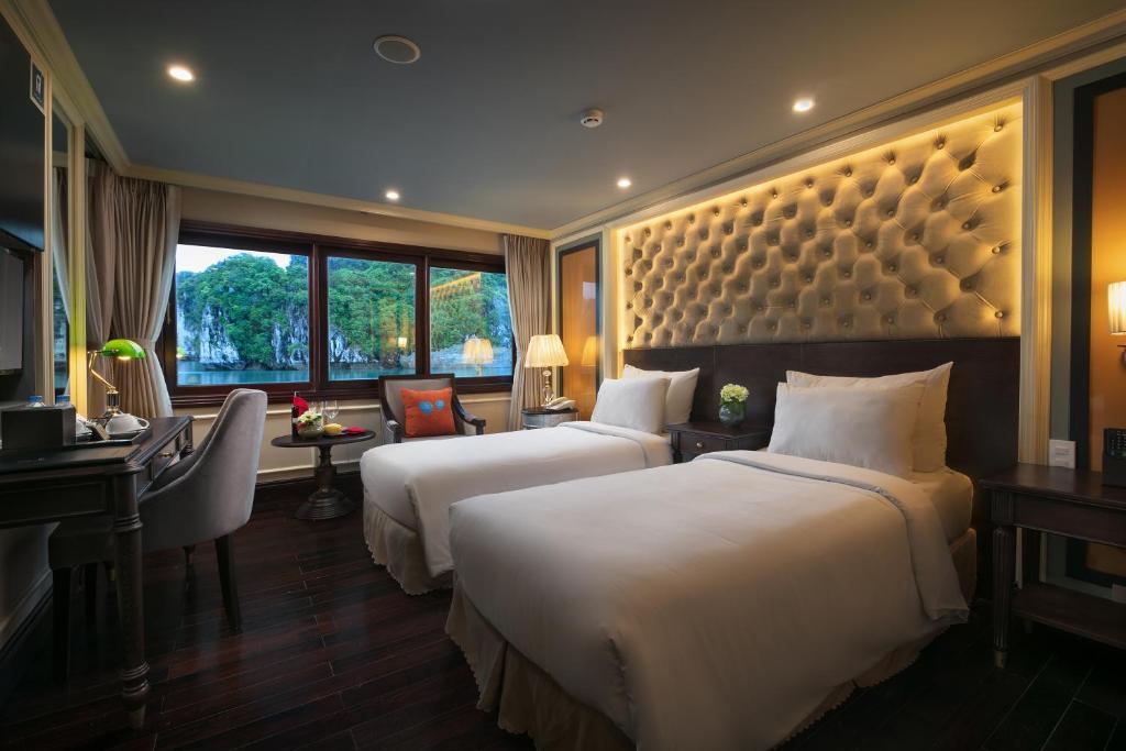 Suite Elegant Giường Đôi/2 Giường Đơn Có Ban Công - 3 Ngày 2 Đêm