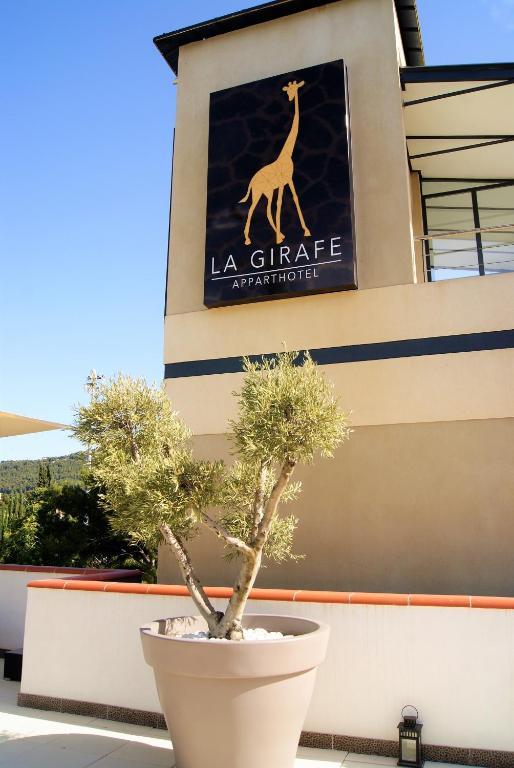 Appart 39 hotel la girafe marseille aubagne reserva tu for Appart hotel marseille