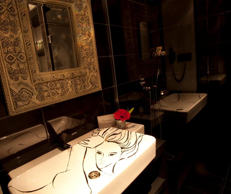 Hypnos design hotel istanbul book your hotel with for Designhotel 54