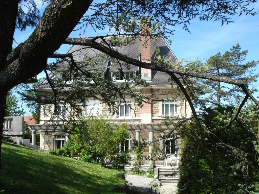 Hotel de france montbelliard online booking viamichelin for Hotel de france booking