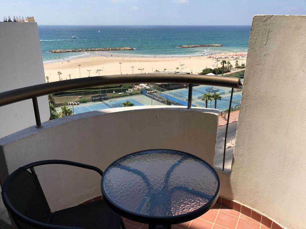 דירת דופלקס יוקרתית עם נוף לחוף