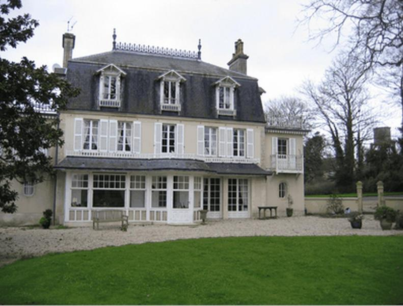 Chambres d 39 h tes le petit sully bayeux book your hotel for Chambre d hote bayeux calvados