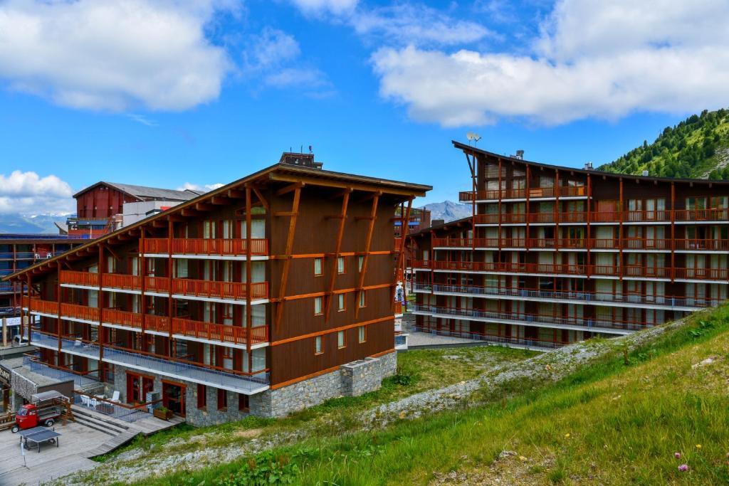 chalet des neiges la cime des arcs bourg maurice book your hotel with viamichelin