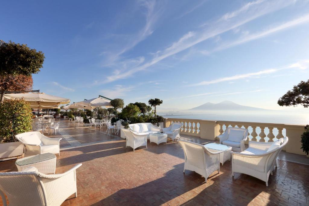 Hotel Excelsior Napoli Booking