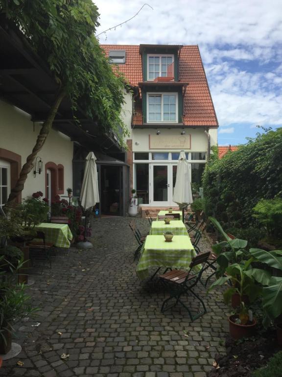 Alter Winzerhof Weisenheim am Berg e.K.