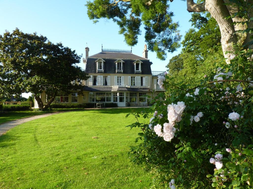Chambres d 39 h tes le petit sully bayeux book your hotel for Chambre d hote bayeux