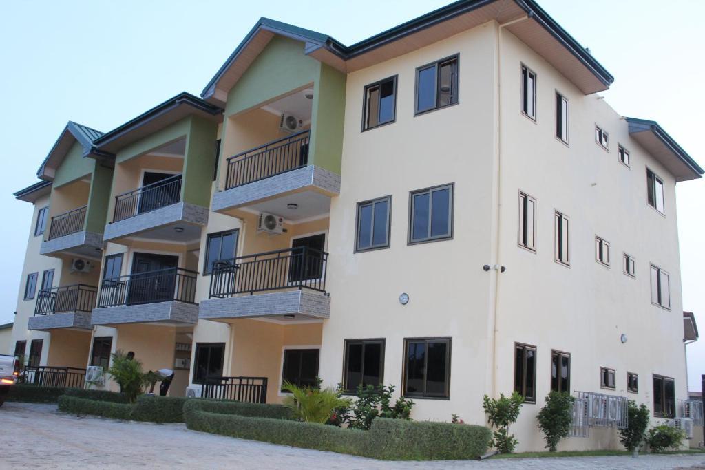 <div data-et-view=NAFQCDCcdXDPdFO:1</div Evergreen Apartments