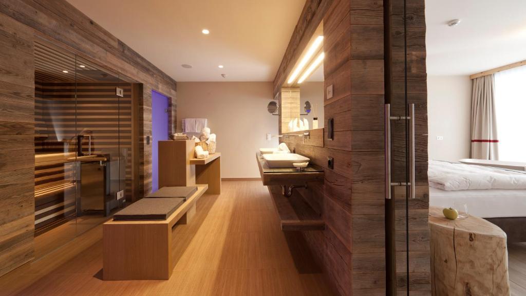 Bergland design und wellnesshotel s lden for Design wellnesshotel