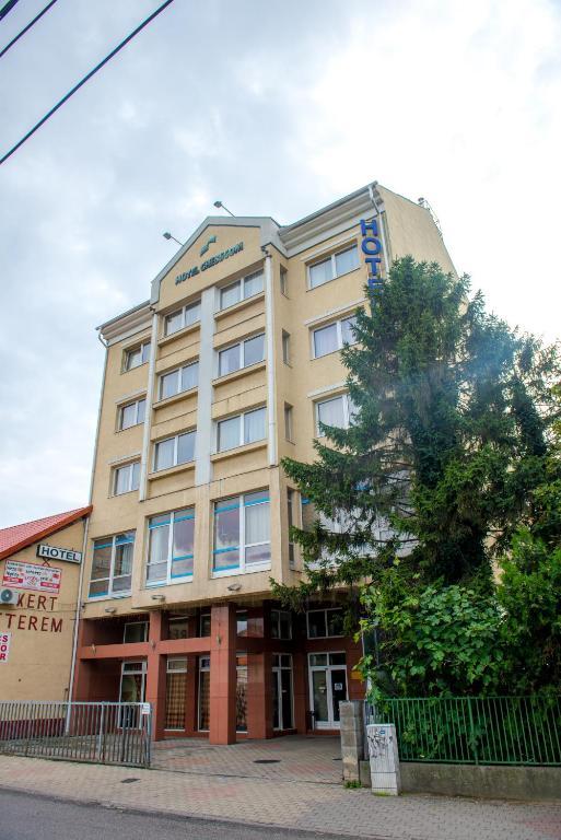HOTEL CHESSCOM $31 ($̶8̶3̶) - Prices & Reviews - Budapest ...