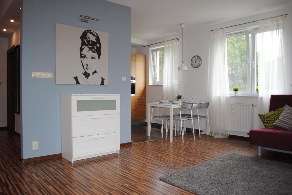 <div data-et-view=NAFQCDCcdXDPdFO:1</div MT Apartments