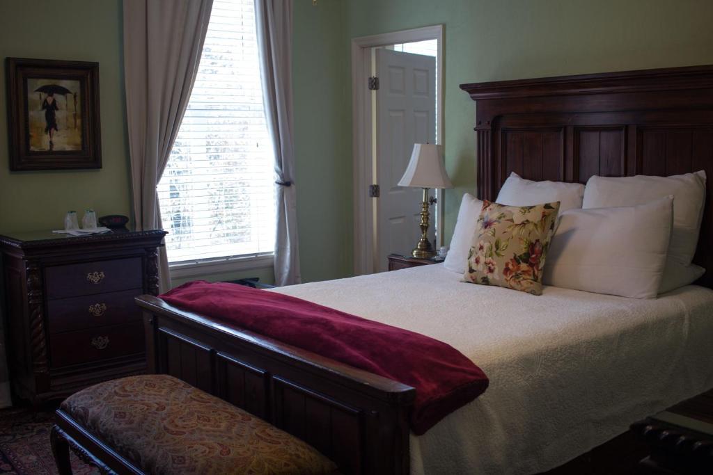 Savannah Bed Amp Breakfast Inn Savannah Book Your Hotel