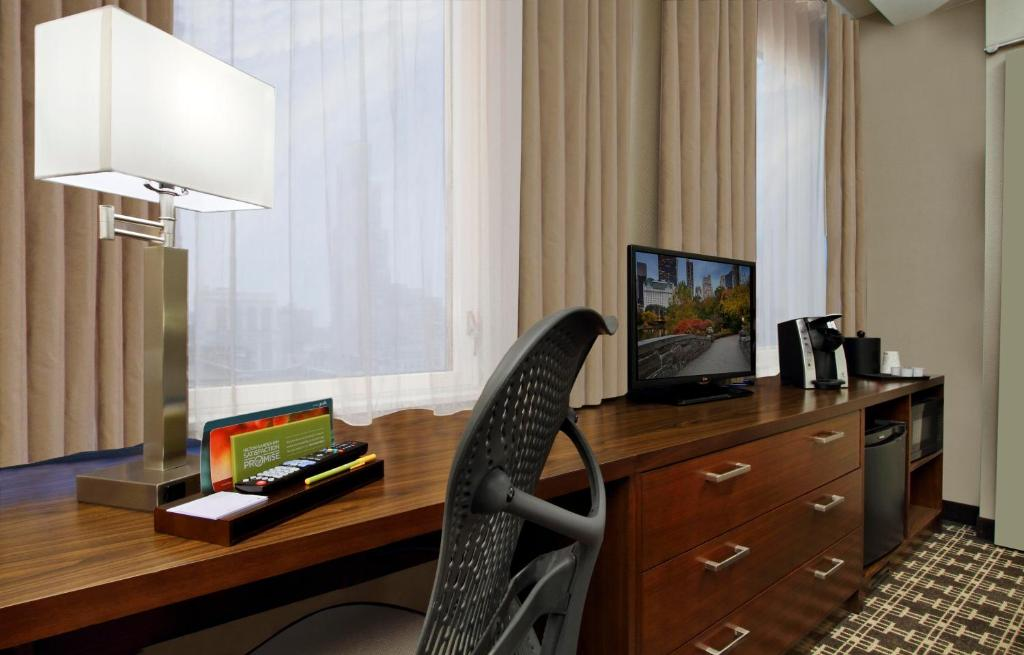 Hilton Garden Inn New York Midtown Park Avenue New York Book Your Hotel With Viamichelin