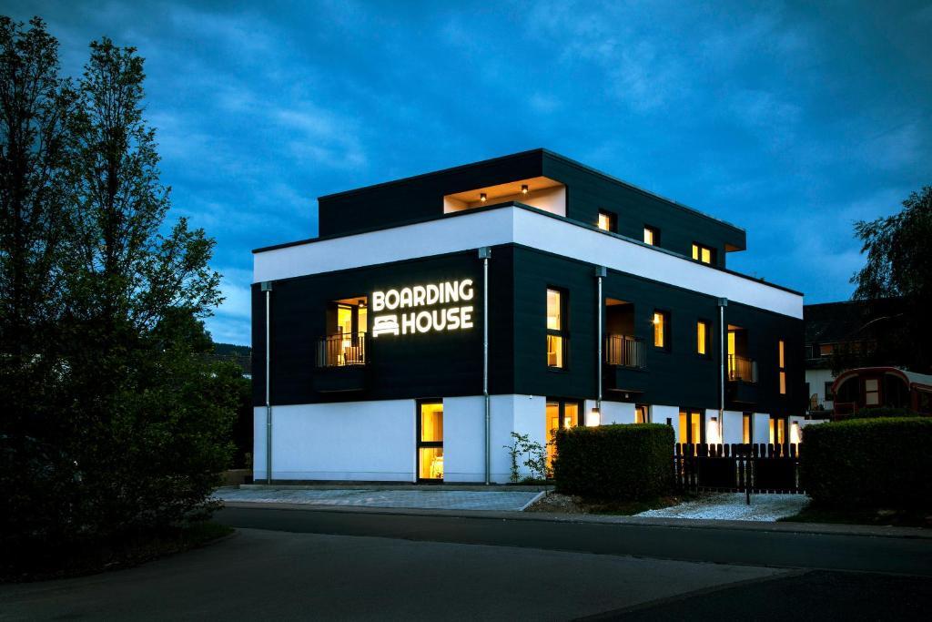 aparthotel boardinghouse morbach alemania morbach. Black Bedroom Furniture Sets. Home Design Ideas