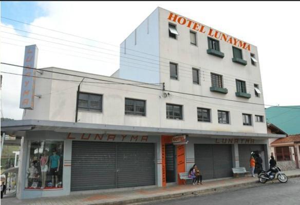 Hotel Lunayma