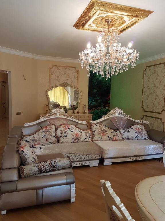 Mariam 39 s apartments in tbilisi t 39 bilisi viamichelin for Canape tbilisi