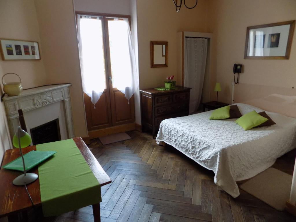 Hotel Le Saint Jean Montclar
