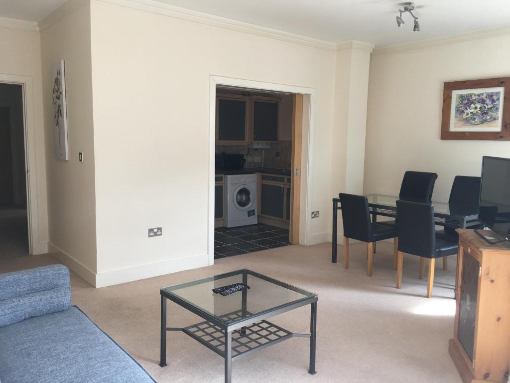 departamento linden court reino unido swindon. Black Bedroom Furniture Sets. Home Design Ideas