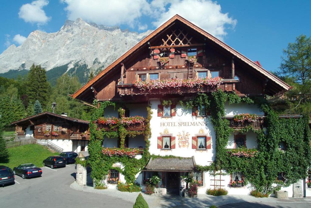 Romantik hotel spielmann ehrwald viamichelin for Romantik hotel