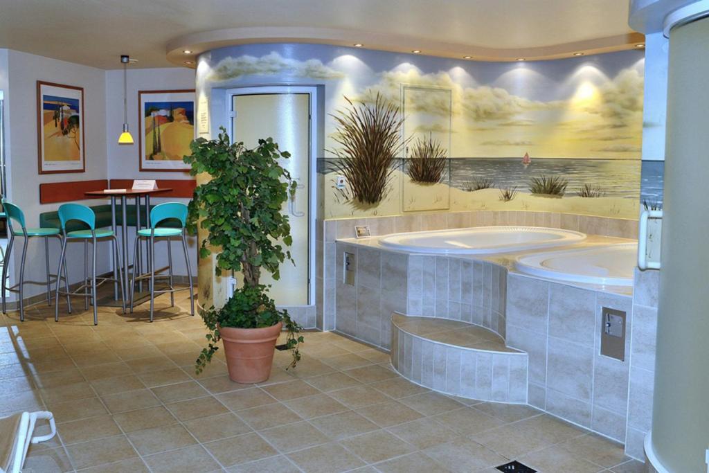 strandhotel dageb ll wyk auf f hr viamichelin. Black Bedroom Furniture Sets. Home Design Ideas