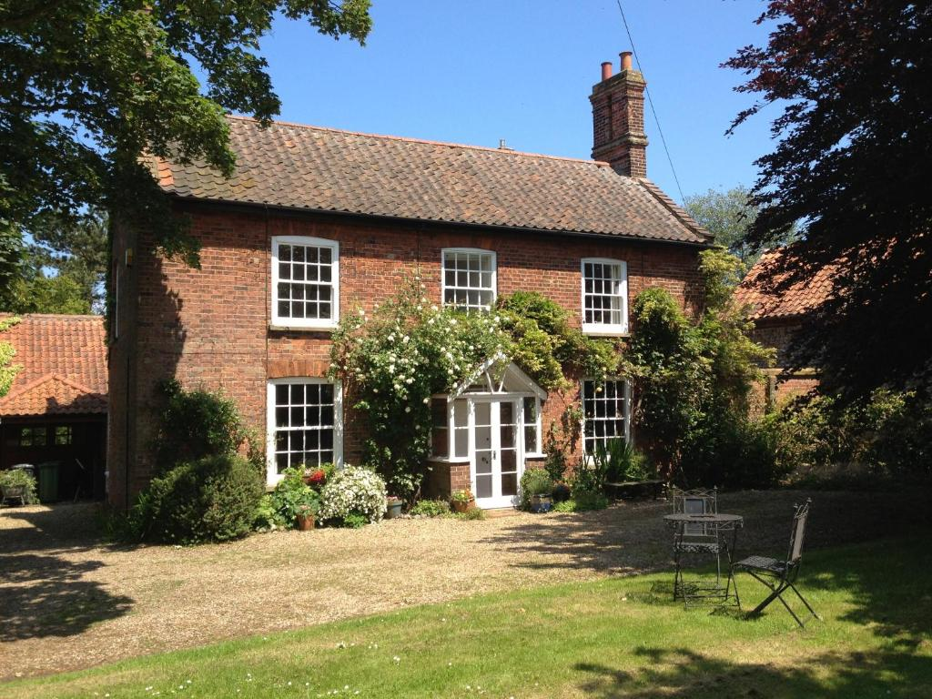 Bed breakfast mill house bed and breakfast bed for Bed and breakfast home