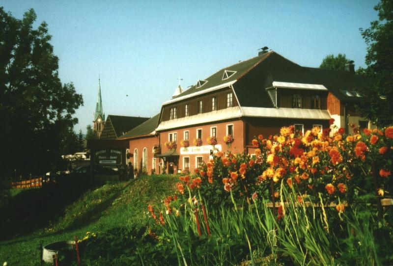 Gasthof Pension Rotes Haus R 233 Servation Gratuite Sur