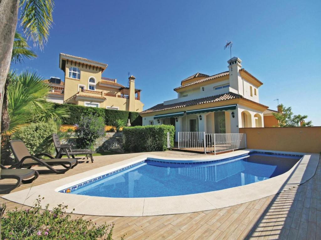 Holiday home Coin Calle Poleo (España Coín) - Booking.com