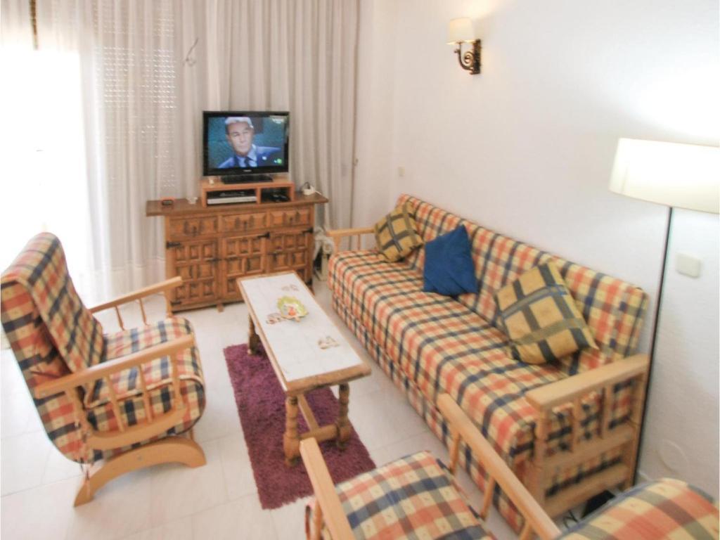 One Bedroom Apartment In Roquetas De Mar Espa A Roquetas De Mar  # Muebles Roquetas De Mar
