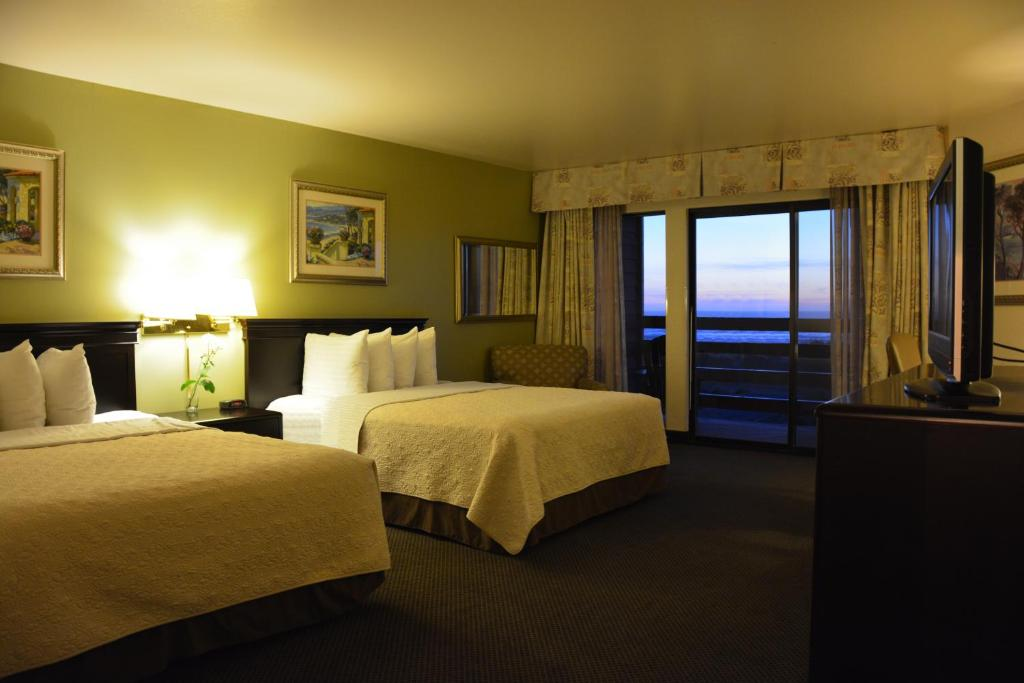 Surestay plus hotel by best western gold beach for Ocean bed meaning