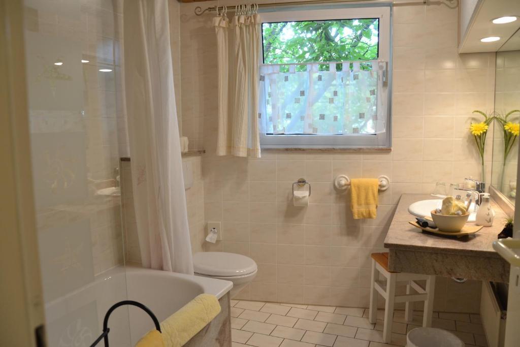 christian gartenhotel mainz informationen und buchungen online viamichelin. Black Bedroom Furniture Sets. Home Design Ideas