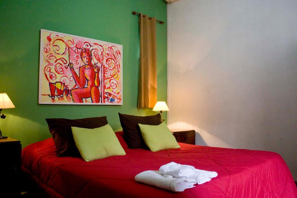 Una cama o camas en una habitación de Viejo Telmo