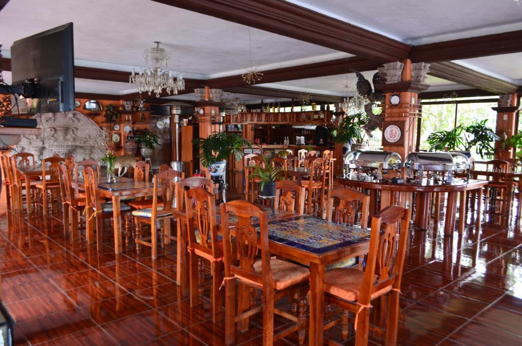 Hotel fontana xicotepec de ju rez reserva tu hotel con for Habitaciones familiares zaragoza
