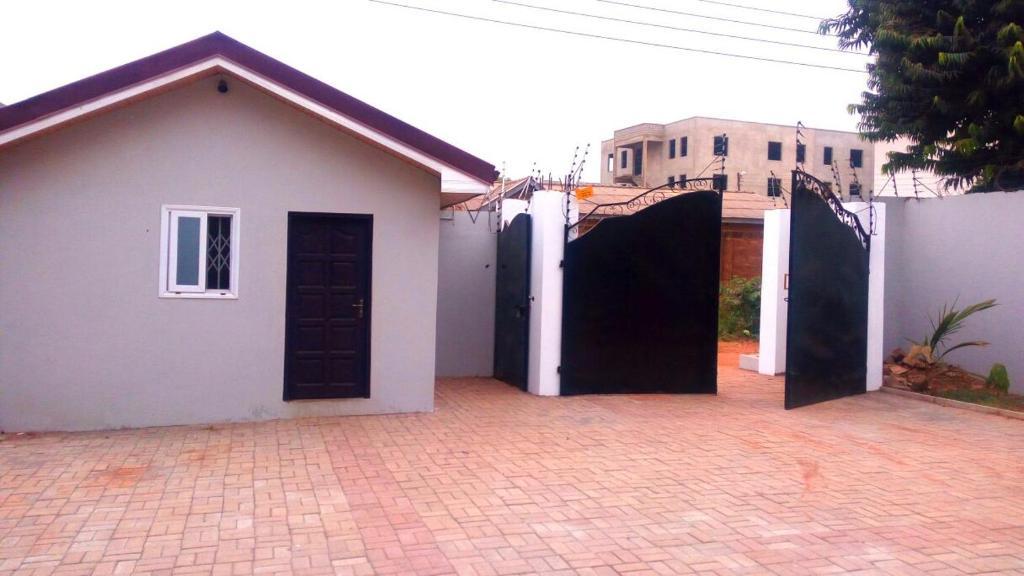 <div data-et-view=NAFQCDCcdXDPdFO:1</div Buyubi House
