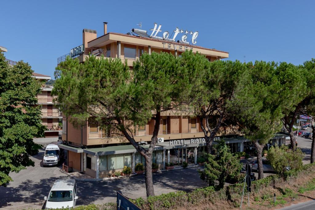 laura brunelli perugia hotels - photo#30