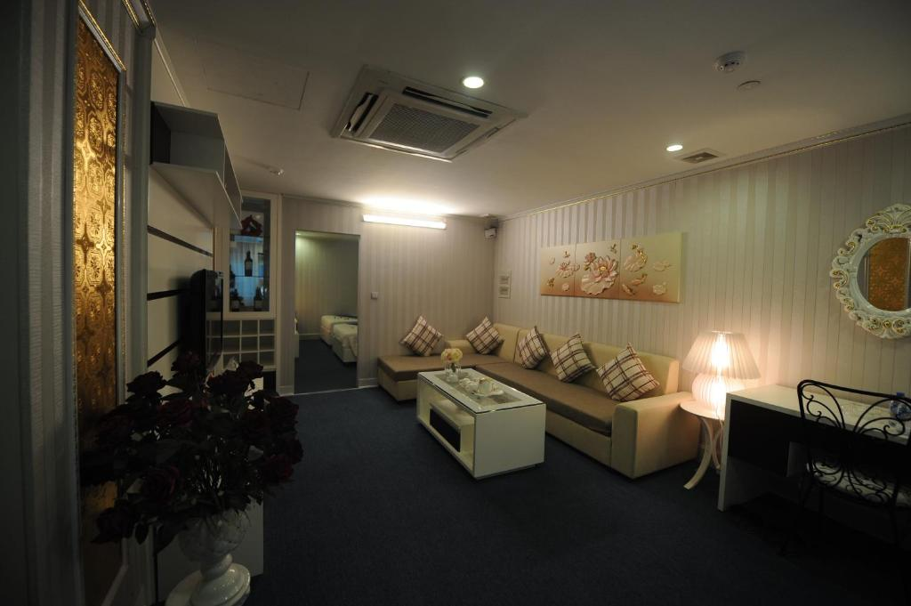 Suite Gia Đình