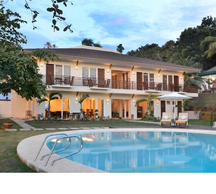 Allure Badian Beach Villa