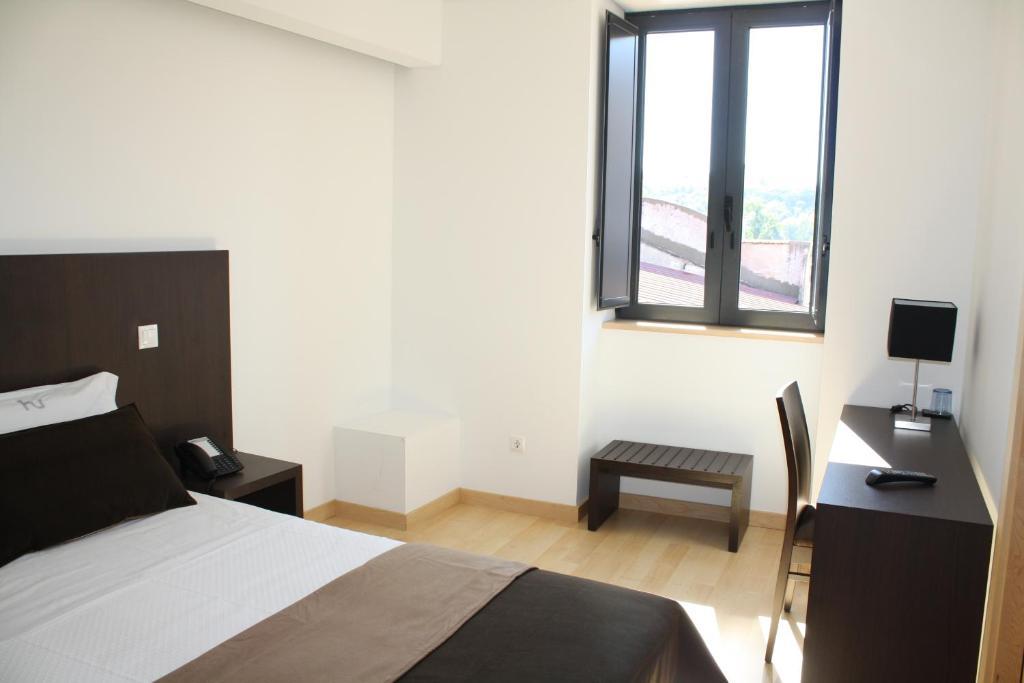 hotel vit ria coimbra informationen und buchungen online viamichelin. Black Bedroom Furniture Sets. Home Design Ideas