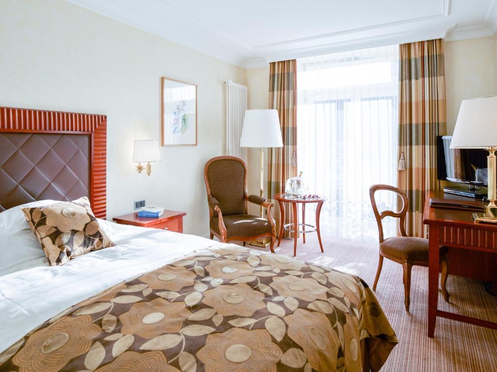 Grand hotel kronenhof pontresina viamichelin informatie en online reserveren - Dining barokke ...