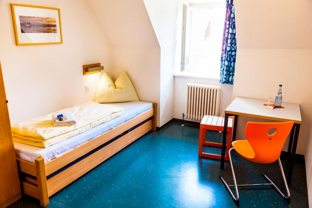 hi youth hostel lindau r servation gratuite sur viamichelin. Black Bedroom Furniture Sets. Home Design Ideas