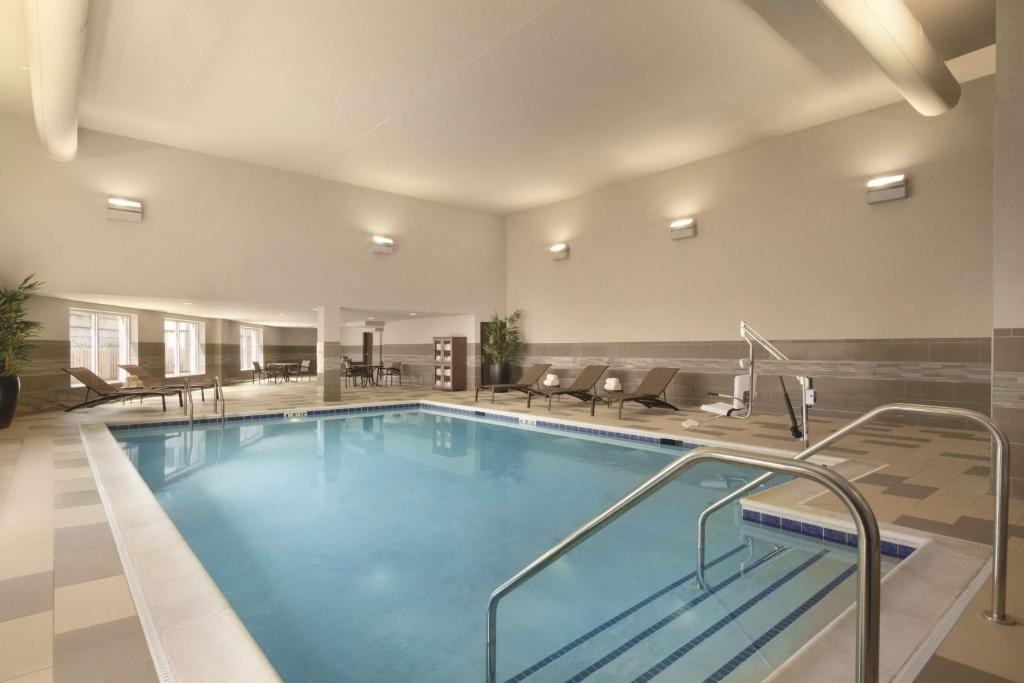 Hyatt Place Chicago O 39 Hare Airport Des Plaines Book Your Hotel With Viamichelin